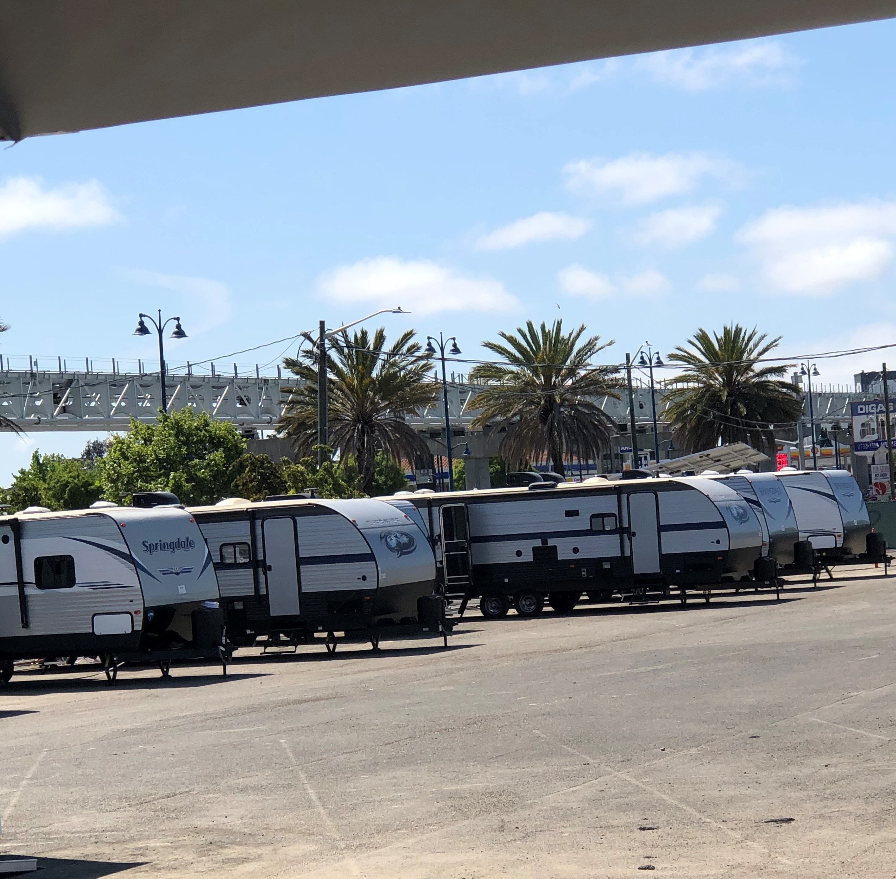 Trailers at East Oakland HomeBase site to house unsheltered residents vulnerable to COVID-19.