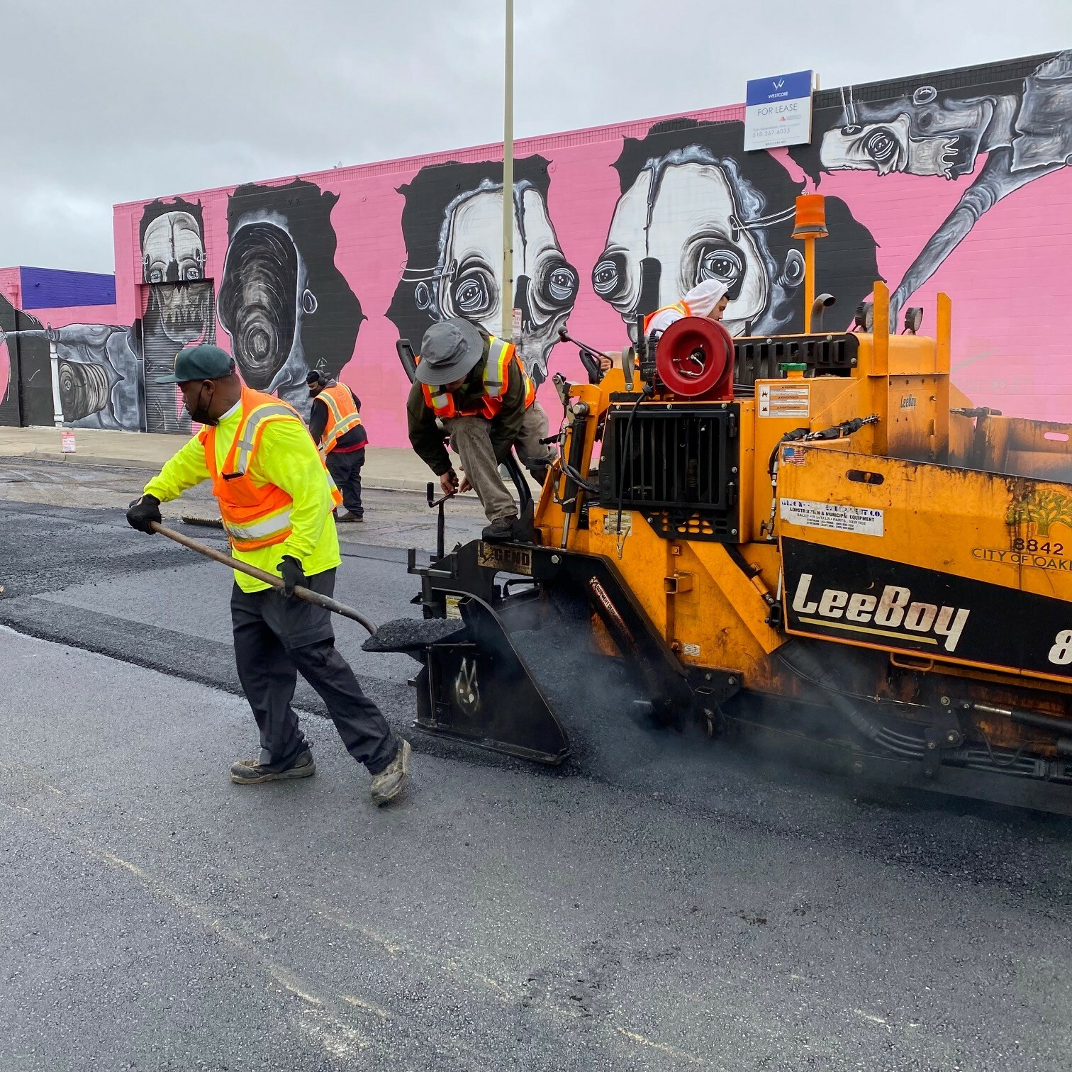 Photo of City crews paving 16th Street in West Oakland, 7-2-2021